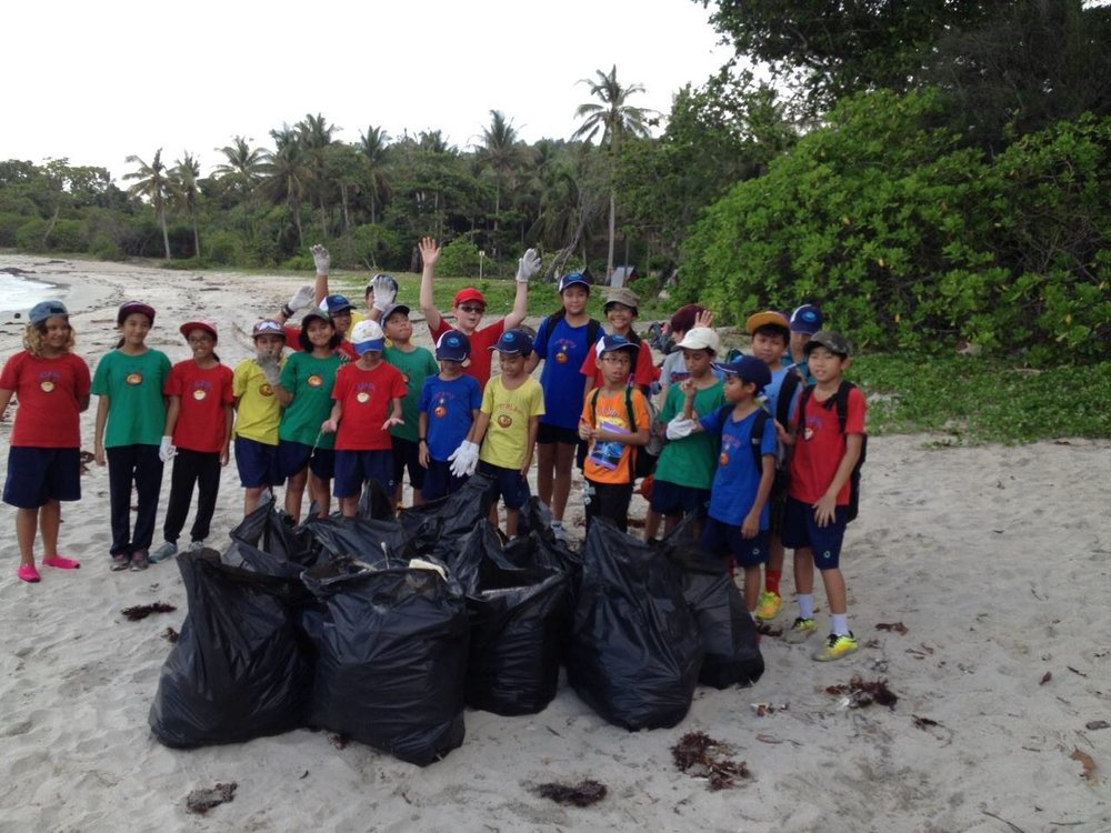Sedili, Coastal Clean Up, Sandy Beach, Students, Litter (2).jpg