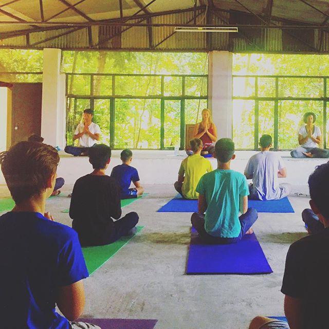 Beautiful morning for some yoga in Nepal 🌞🧘♀️ 🧘♂️ 🇳🇵 #fieldtrip #yoga #meditation #namaste #education #students #culture #adventure #sun salutation #goodmorning #edu #startthedayright #nepal #kathmandu #internationalschool
