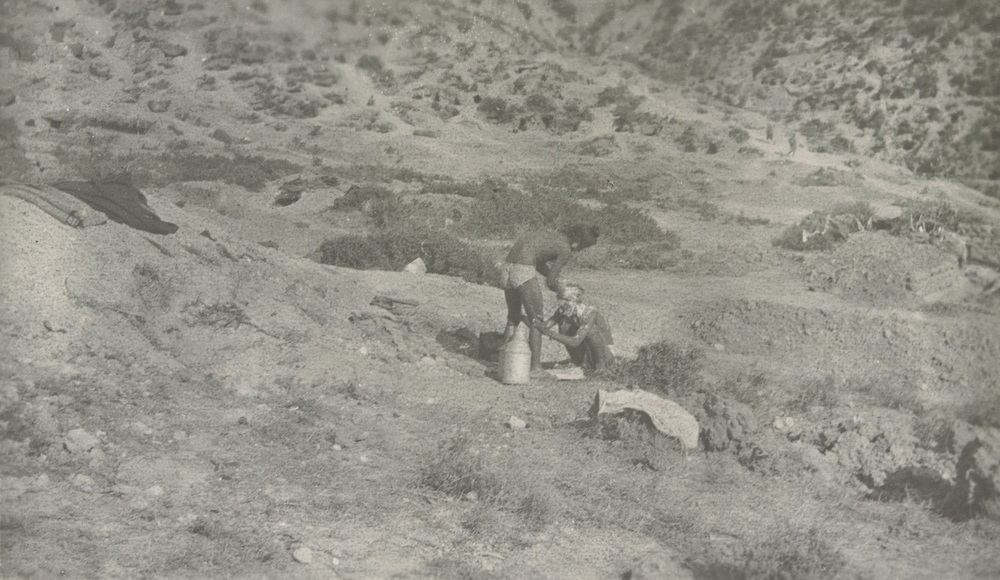 A Sikh washing another Sikh's Kes (hair) in Gallipoli
