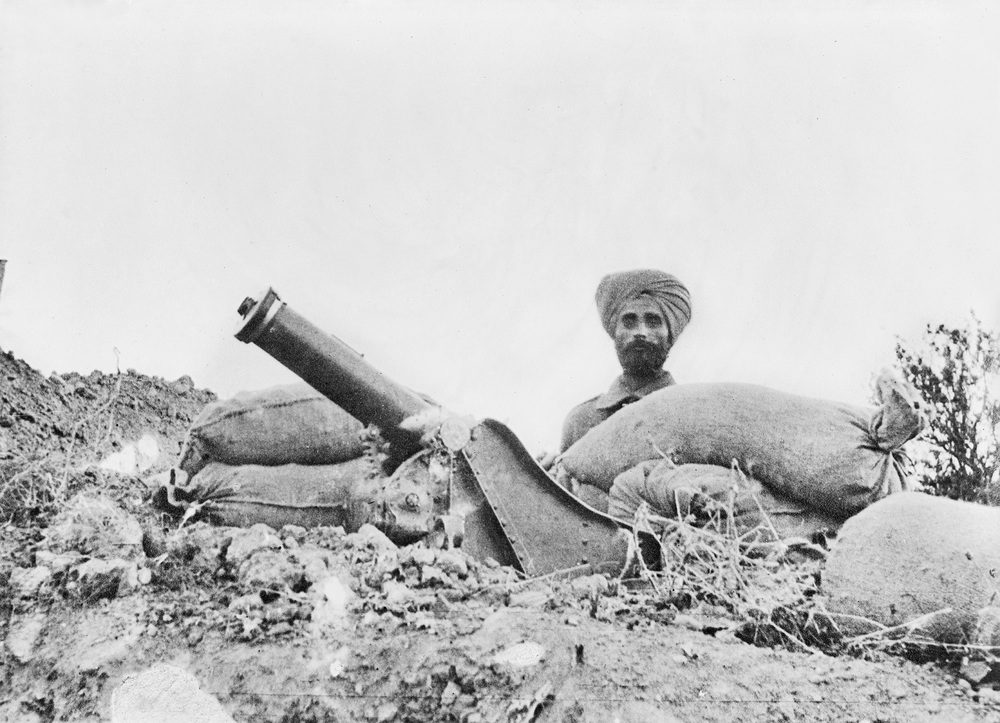 A Sikh with a 75mm mortar, Gallipoli Peninsula