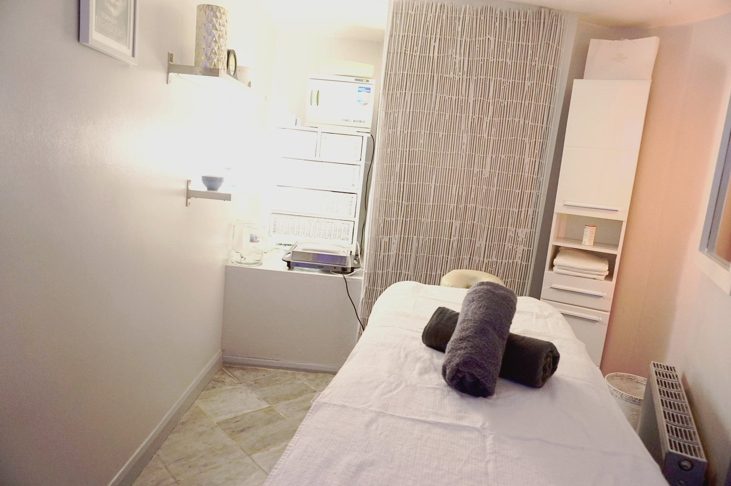 Massage Therapy at Belle Vous Spa, relaxing healing, calming treatment,  stress - Belle Vous Spa & Salon - Crystal Palace