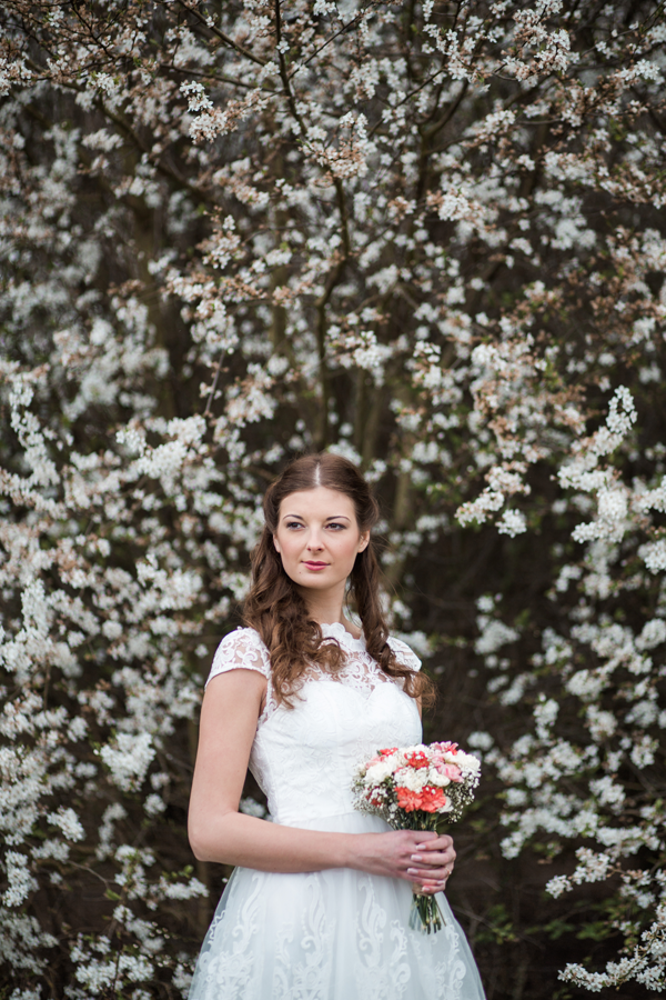styled-wedding-bridal-shoot-blossom-3
