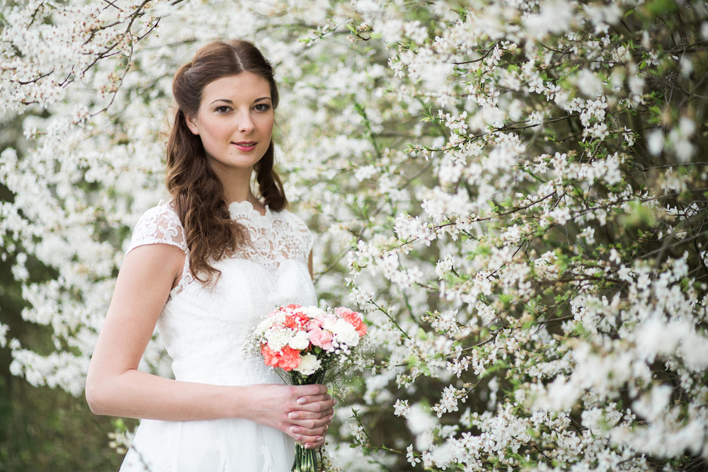 styled-wedding-bridal-shoot-blossom-15