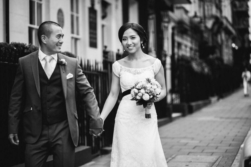 Laurie & Simon - Lansdowne Club Mayfair Wedding - www.catlaneweddings.com