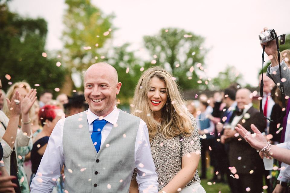 confetti-tipi-wedding