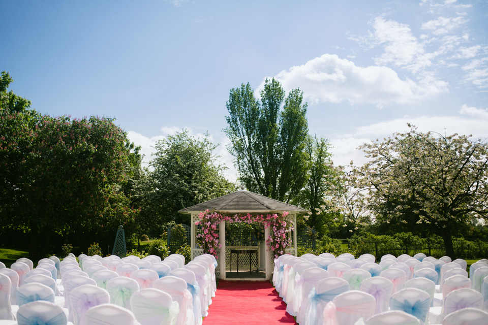 fennes-braintree-outdoor-wedding