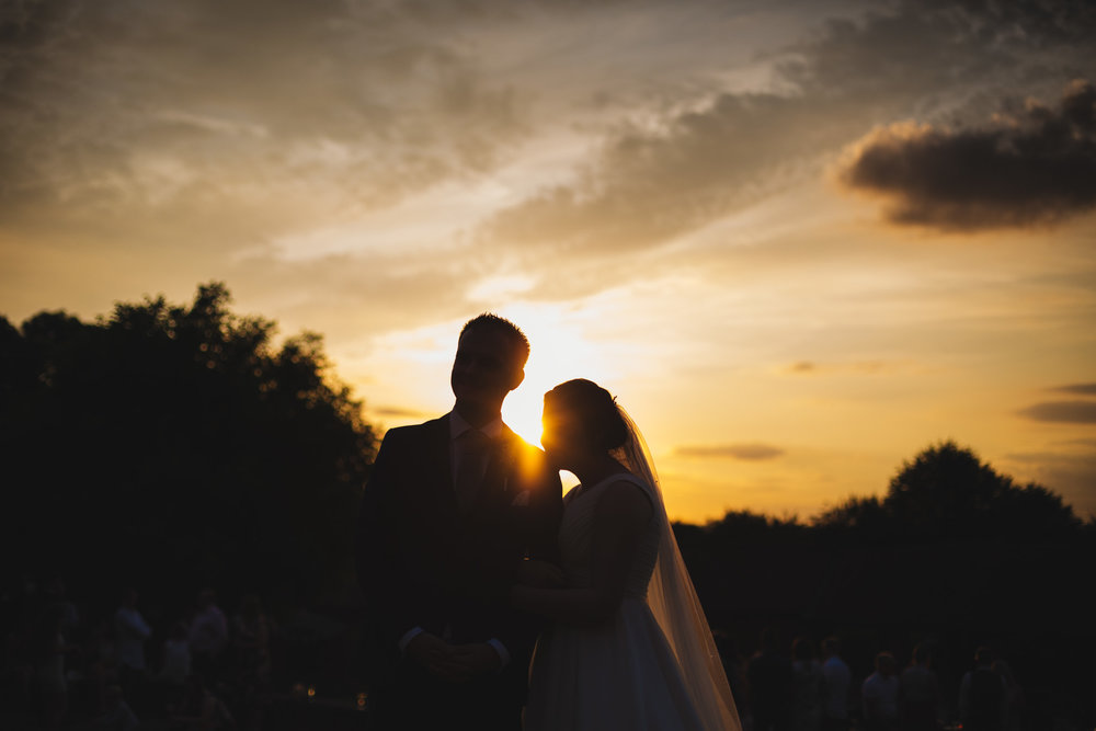 barns-at-hunsbury-hill-northampton-wedding-photography_web__1930_4G2A9115.jpg