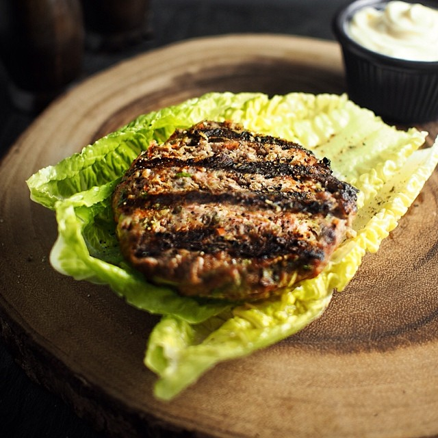 No more bland, dry turkey burgers. Up on the blog now is a grain-free turkey burger that is  juicy, flavorful and filled with healthy veggies. #paleo #paleolifestyle #SCD #gaps #hashimotos #autoimmune #turkeyburger #realfood #glutenfree #grainfree #lowcarb #everydayungrained