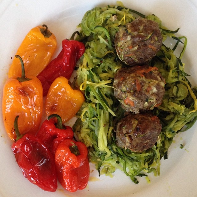 Mmmmm. One of my favorite meals. Meatballs, zucchini noodles and roasted baby bells. I'll post the meatball recipe soon. #paleo #glutenfree #grainfree #dairyfree #primal #hashimotos #everydayungrained