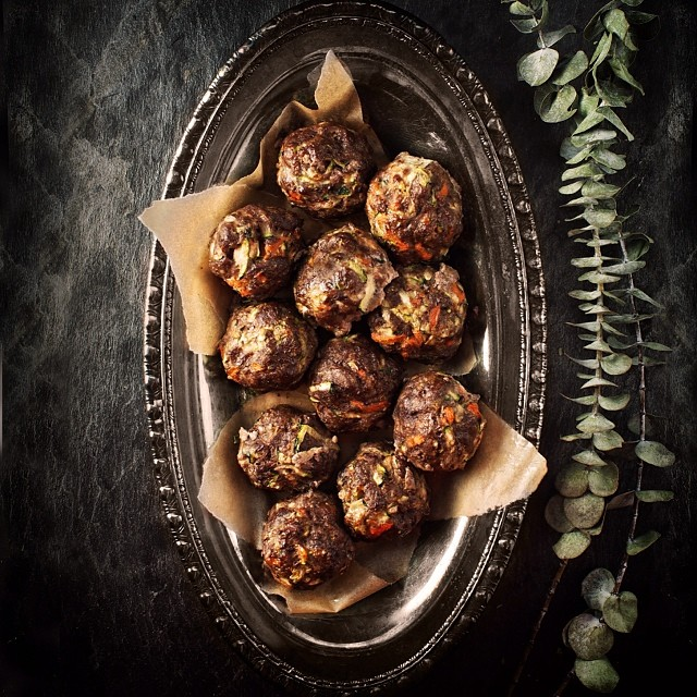 Mmmmmm, meatballs. Filled with grass-fed beef, carrots and zucchini, these are great made in a large batch and then frozen for easy weekday meals. Recipe on blog. #paleo #glutenfree #grainfree #dairyfree #sugarfree #primal #aip #autoimmuneprotocol #hashimotos #realfood #everydayungrained