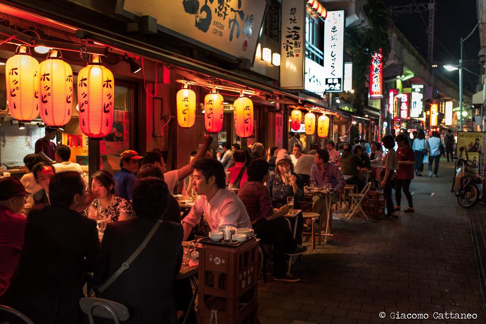 ISO 800, 35mm, f/4.5, 1/10 sec - Ueno, lovely backstreets filled with izakaya and small restaurants. If I remember correctly, we had an amazing curry tonkatsu! gnammy!