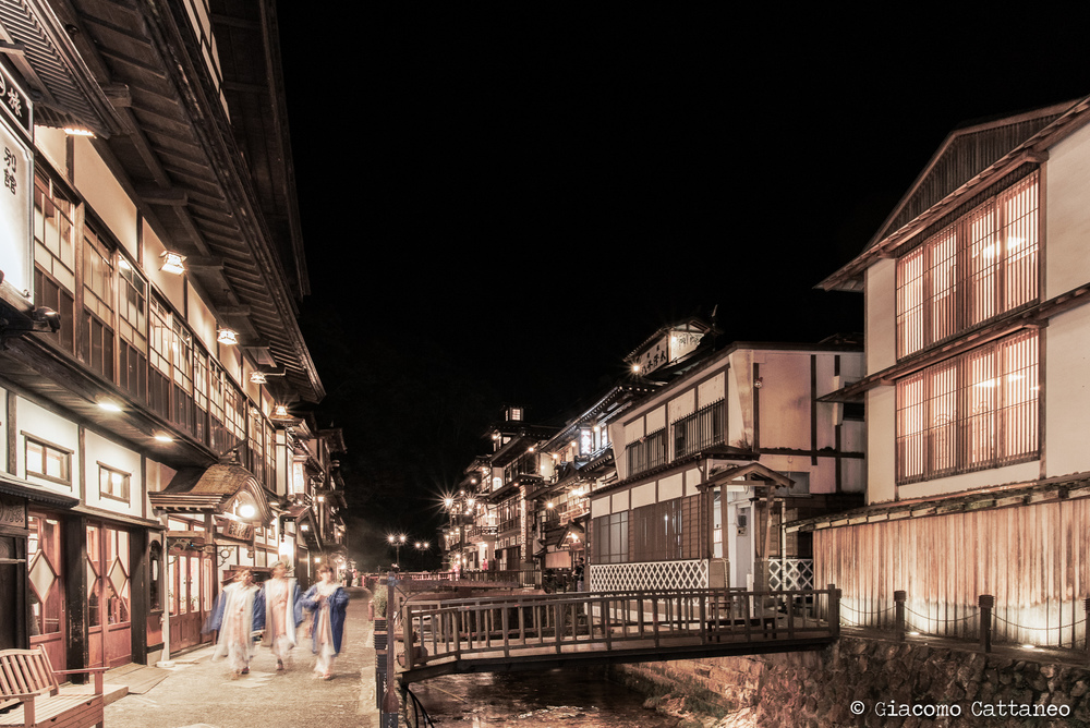ISO 1000, 20mm, f/7.1, 0.6 sec - Ginzan Onsen - a lovely onsen (hotspring) town, with ryokans on each side. The one on the right is Fujiya Inn, a ryokan refurbished in 2006 by Kengo Kuma, a renowned Japanese architect. Beautiful, so beautiful - but out of our budget ;)