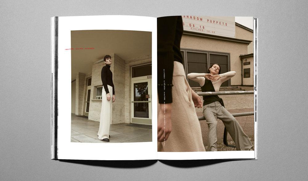 magazine open PS4.jpg