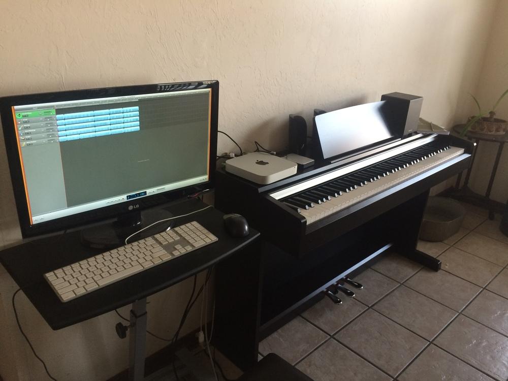 Hook up piano to garageband