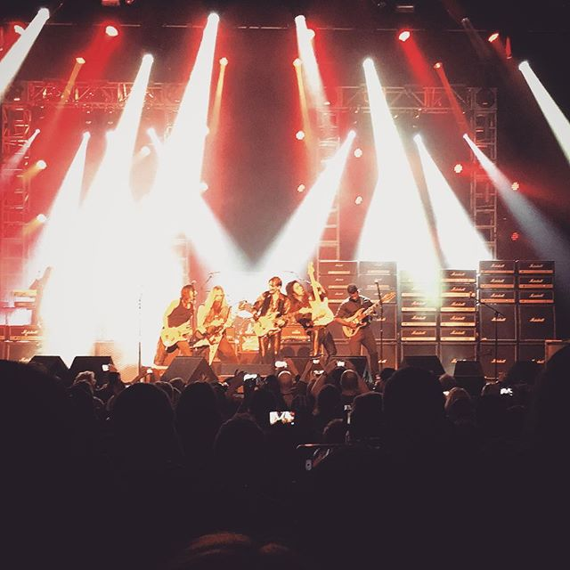 Generation Axe was great! Steve Vai, Yngwie Malmsteen, Zakk Wylde, Nuno Bettencourt, and Tosin Abasi. Seeing everyone jam together was definitely the highlight. #shred #generationaxe #vai #animalsasleaders #bls #extreme