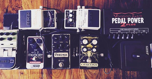 Can't wait to rock this board tonight at the #Quarternote in Sunnyvale with Fish Islands and Origins of Ruin! #Friedman #DOD #carcosa #voodoolab #boss #ehx #line6