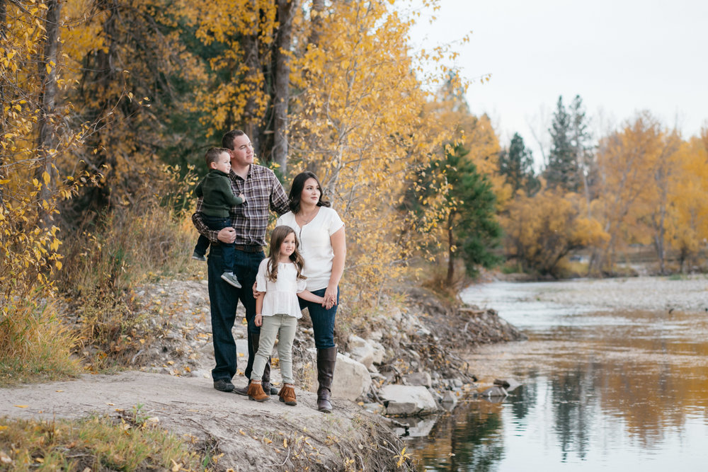 The Larsons absolutely rocked styling their family photos with colors that are reminiscent of their fall surroundings.