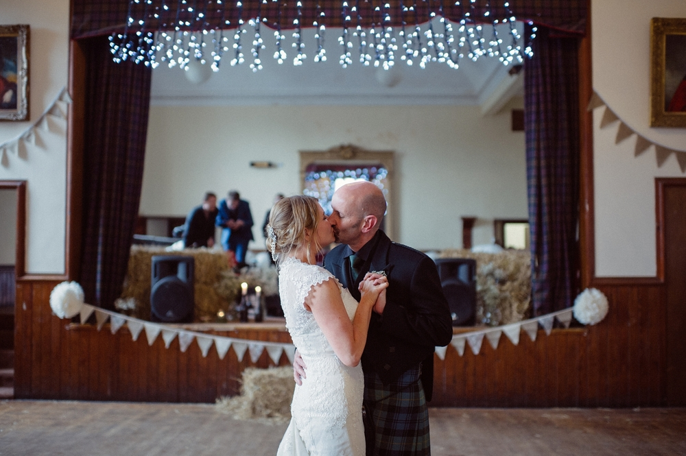 190-lisa-devine-photography-alternative-wedding-photography-skye-scotland.JPG