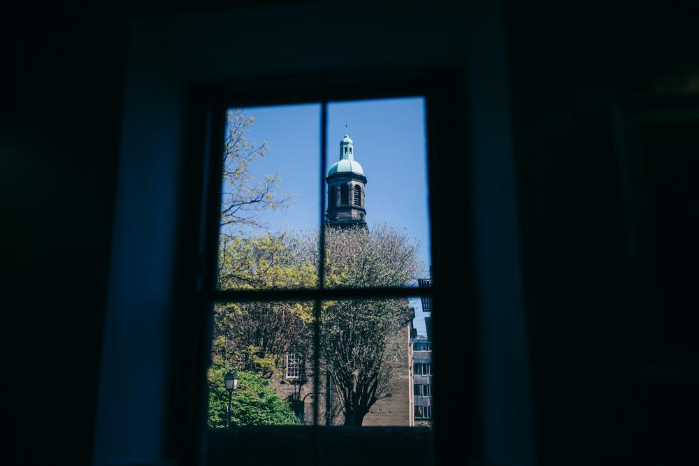 0227-LISA_DEVINE_PHOTOGRAPHY_ALTERNATIVE_WEDDING_PHOTOGRAPHY_SCOTLAND_THE_NEW_CLUB_CANONGATE_CHURCH_WEDDING_EDINBURGH.JPG