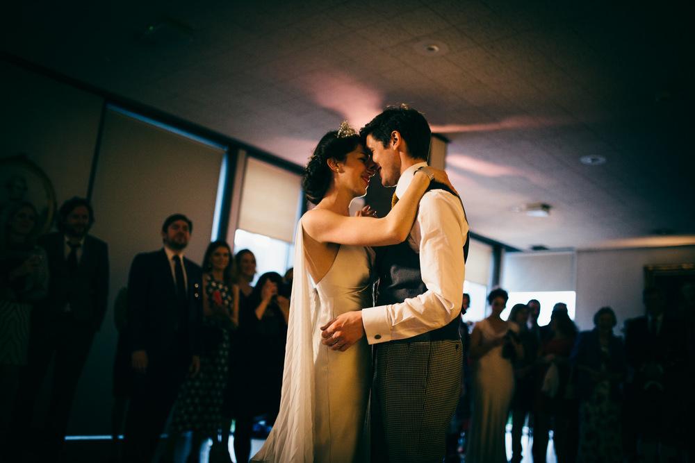 0325-LISA_DEVINE_PHOTOGRAPHY_ALTERNATIVE_WEDDING_PHOTOGRAPHY_SCOTLAND_THE_NEW_CLUB_CANONGATE_CHURCH_WEDDING_EDINBURGH.JPG