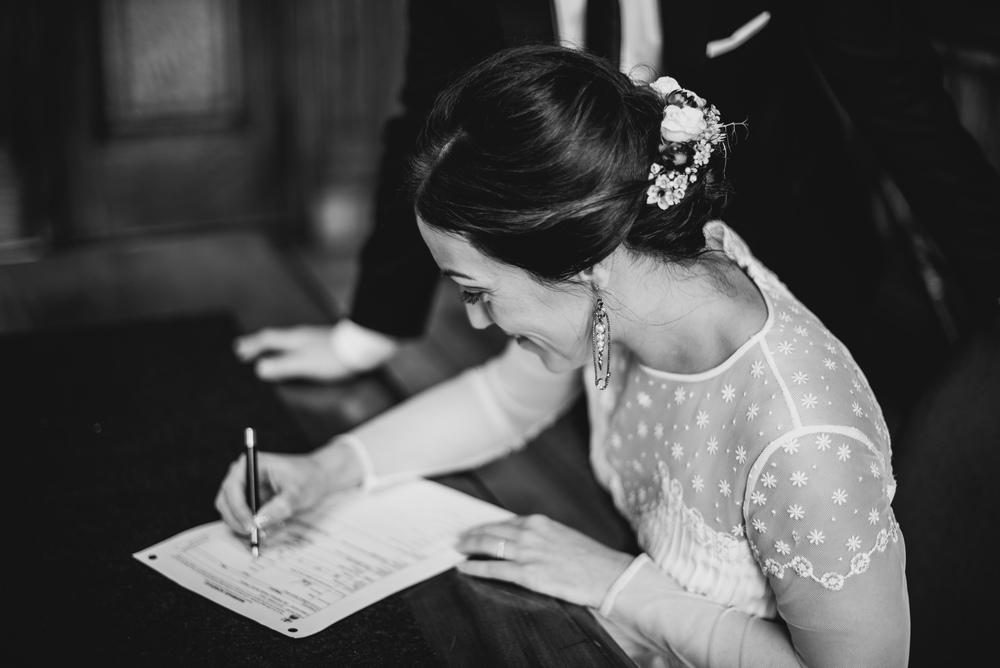 0039-LISA-DEVINE-PHOTOGRAPHY-ALTERNATIVE-WEDDING-GLASGOW-CITY-WEDDING.JPG