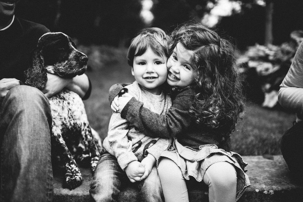 0028-LISA-DEVINE-PHOTOGRAPHY-PORTRAIT-THE-HECHT-FAMILY-4049.JPG