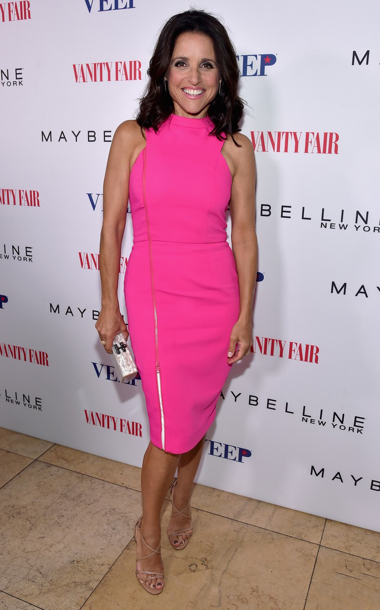 julia-louis-dreyfus-hot-pink-after-ice-bucket-challenge-06.jpg