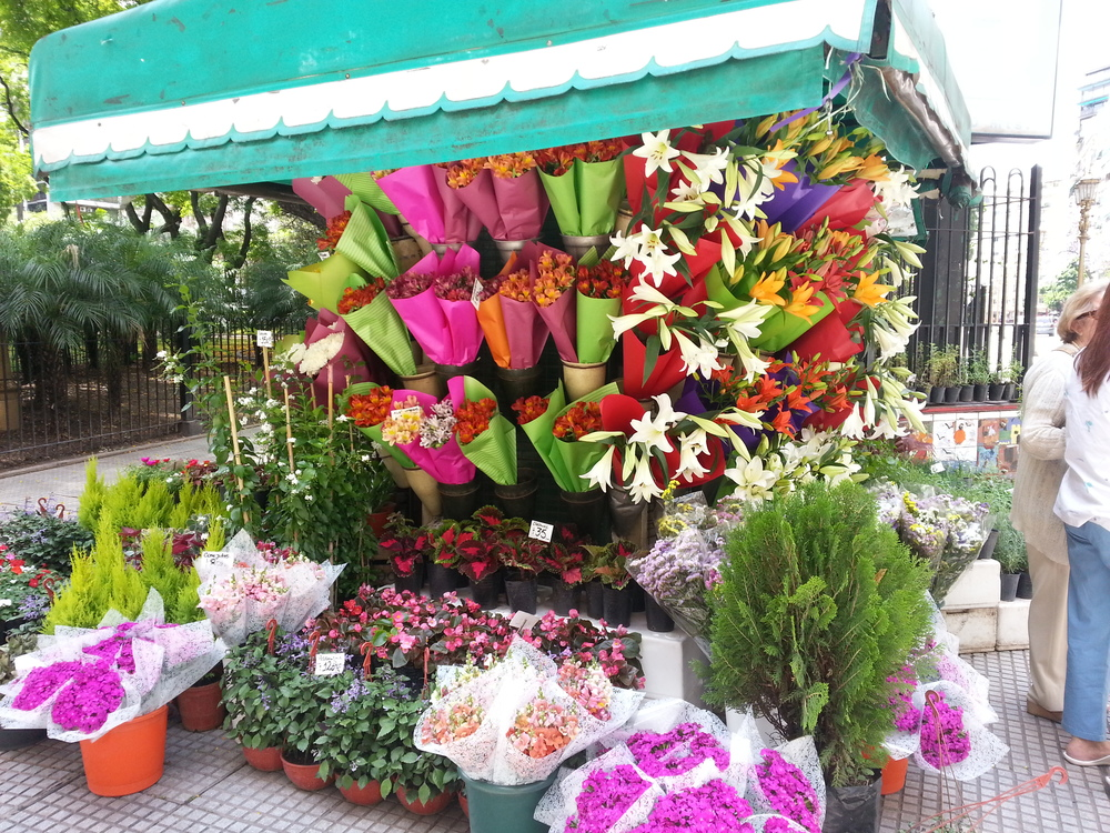 This flowerstand was just beautiful to look at on such a lovely day, so I took a picture of it.