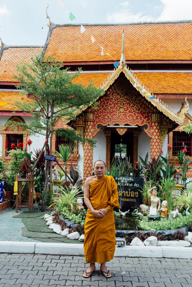 Monk Thap Thailand 2016-61.jpg