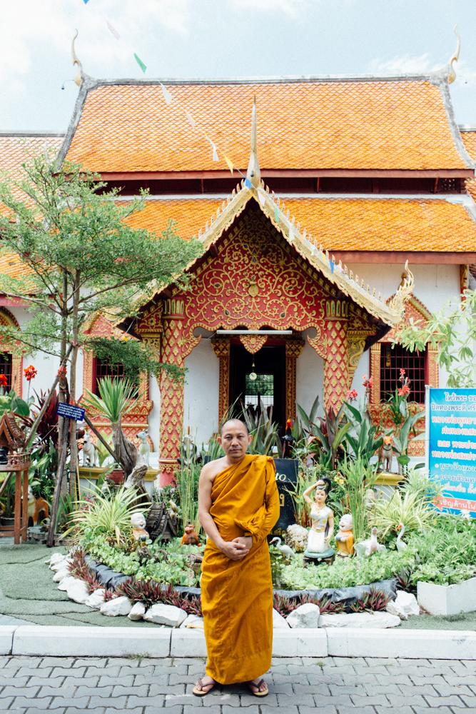 Monk Thap Thailand 2016-75.jpg