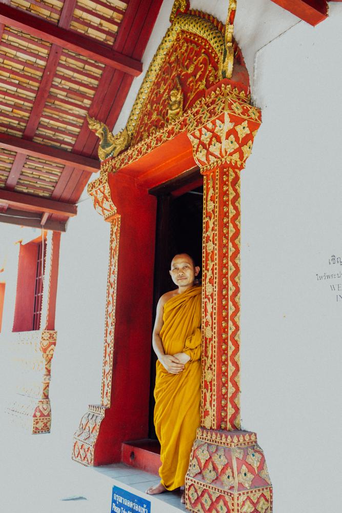 Monk Thap Thailand 2016-146.jpg