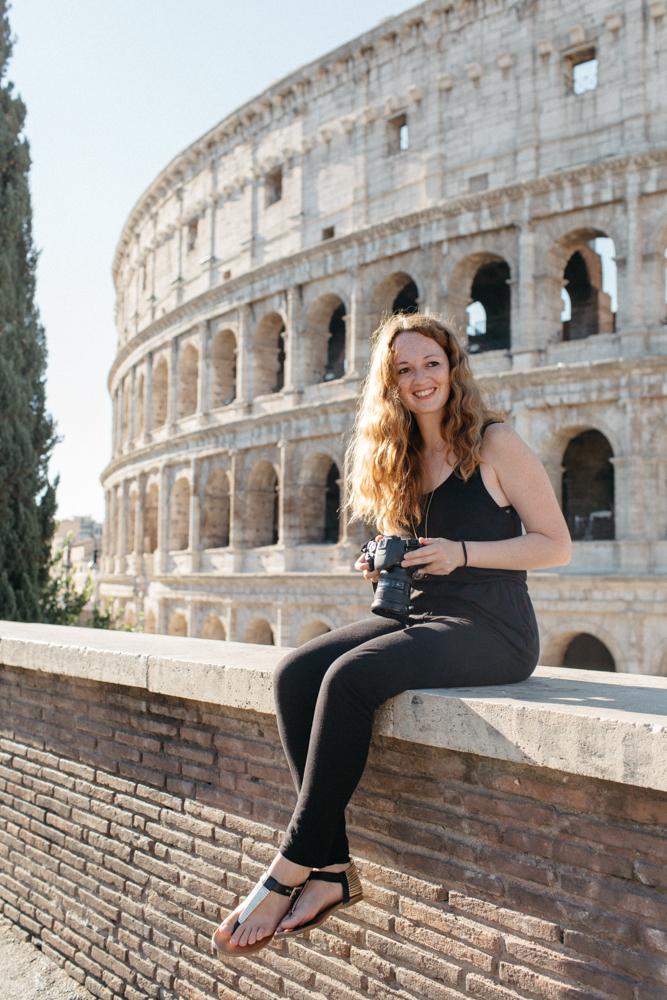 Acredite, se quiser fazer uma foto do Coliseu que não apareça muita gente, vácedo!Mas quando dizemos cedo é muito cedo, por volta das 6:00 da manhã