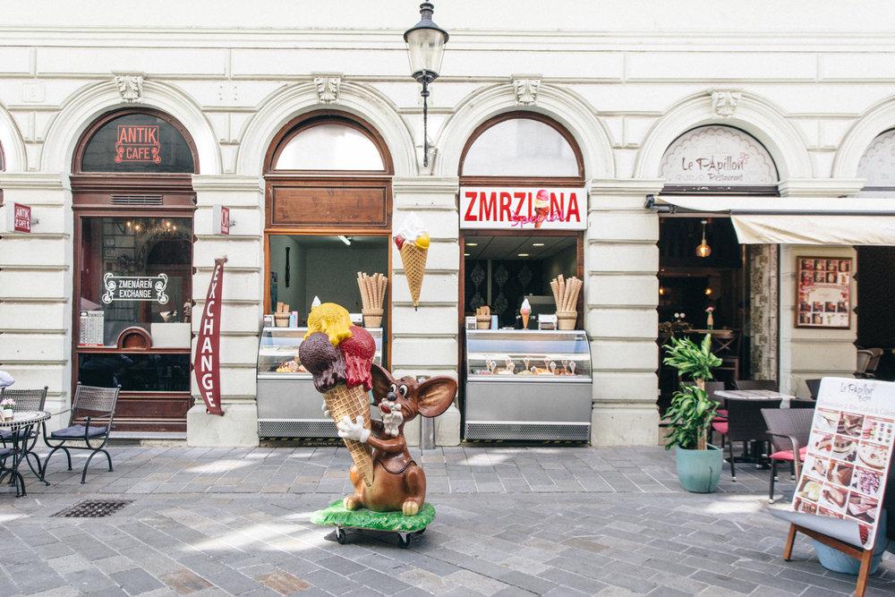 Bratislava_Eslovaquia_2016_00017.jpg
