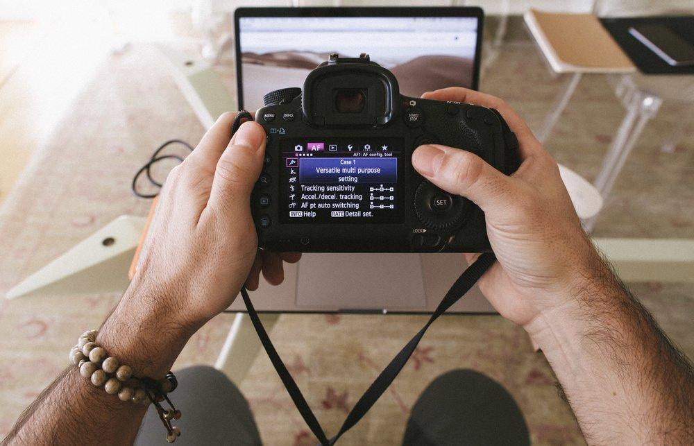 74fceaeab 10 Dicas de Como Usar Melhor a Câmera Fotográfica - Eduardo   Mônica