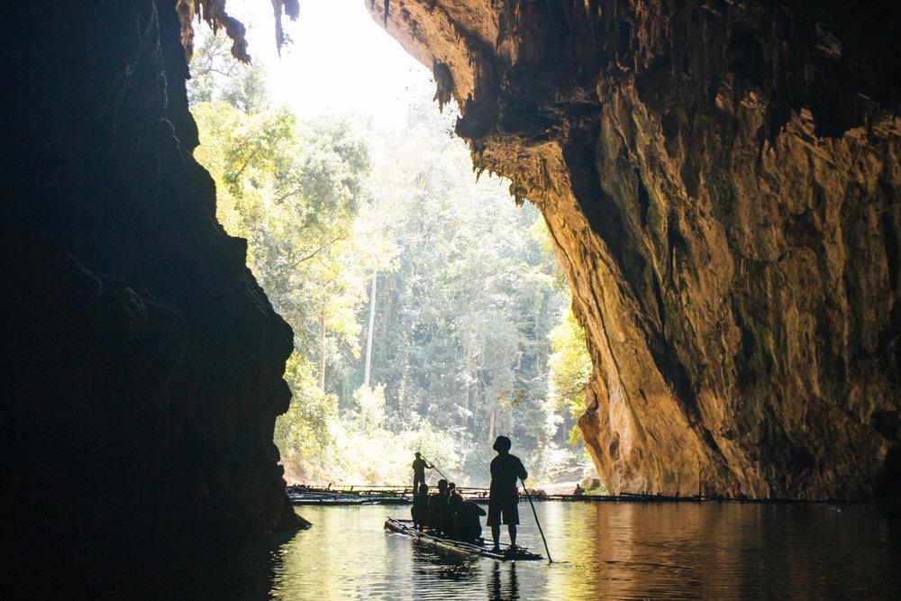Lod Cave e Bamboo Rafting