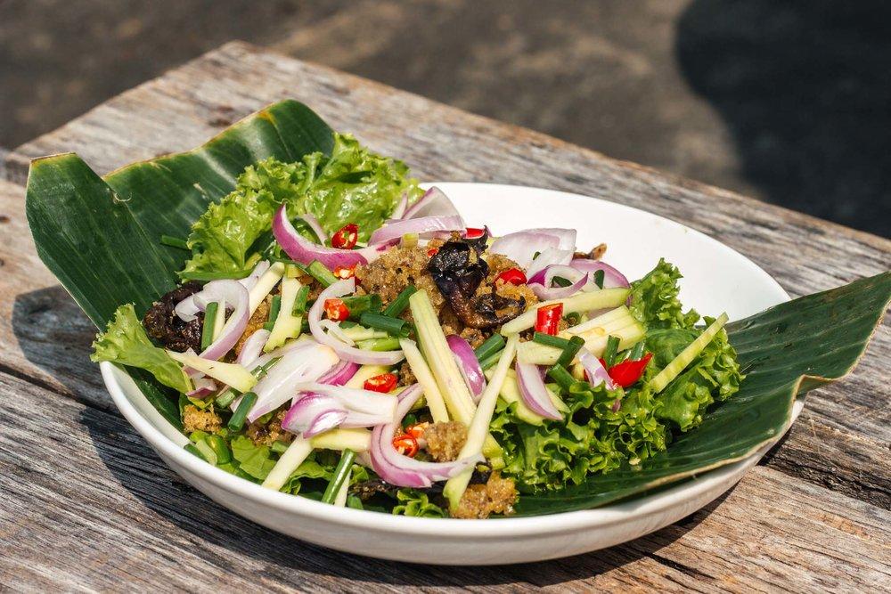 Salada de catfish, a melhor!
