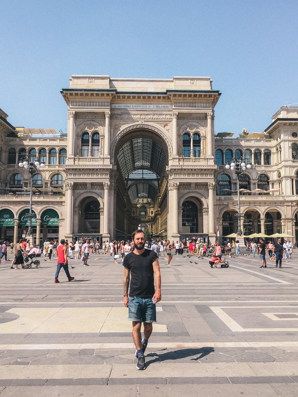 Em frente a Galeria Vittorio Emanuele,Milão, Itália - iPhone 6s