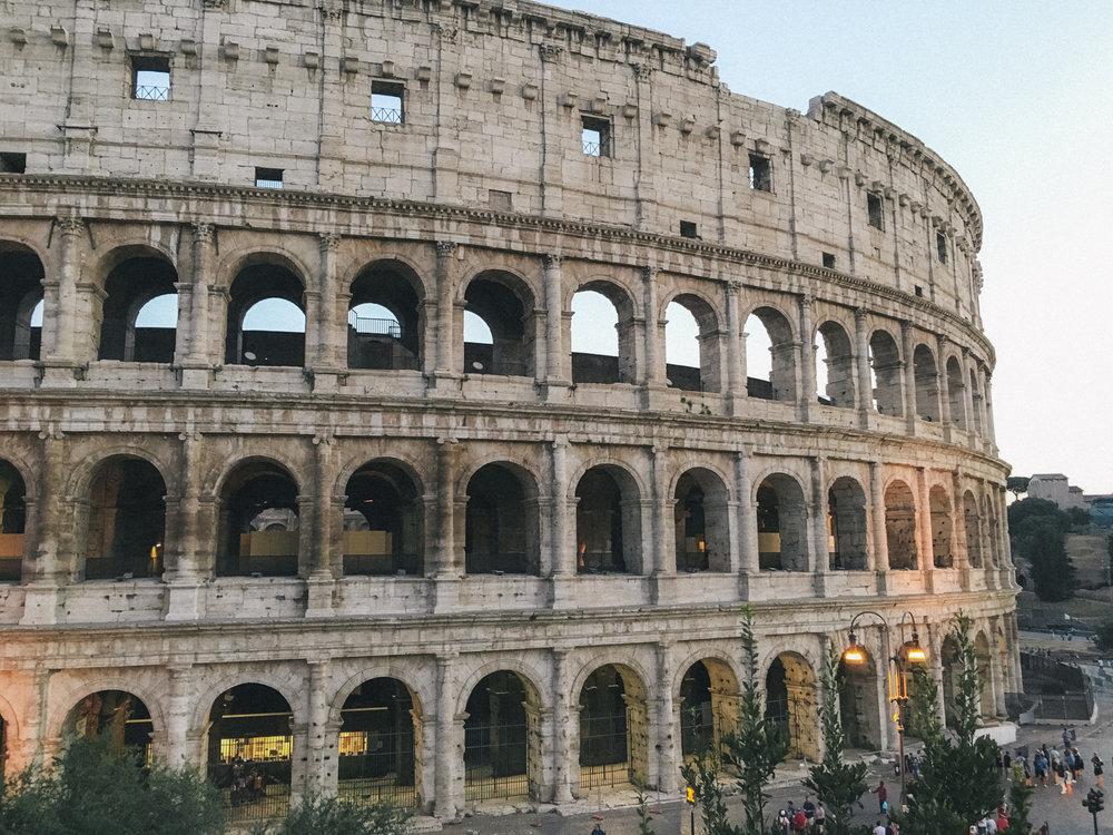 Entardecer no Coliseu,Roma, Itália - iPhone 6s