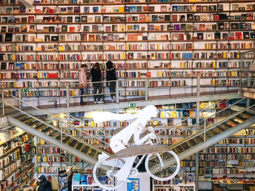 Livraria Ler Devagar na LX Factory