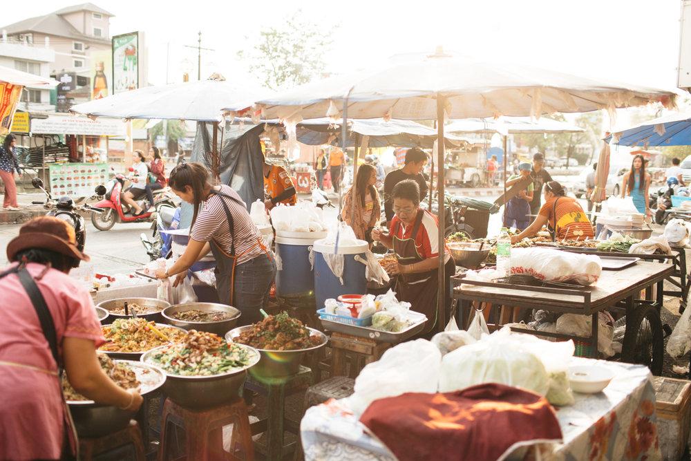 Mercado de comidas em Chiang Mai