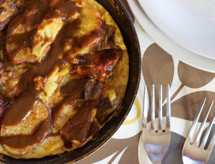 Black Garlic and Roasted Tomato Sauce {Recipe}