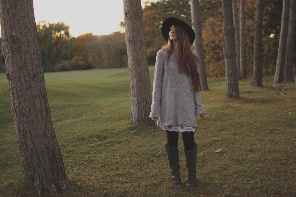 sweater dress via Rebecca-Jacobs.com-6.jpg