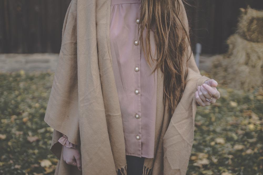 cape style via Rebecca-Jacobs.com-8.jpg