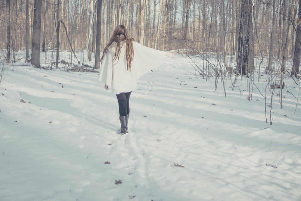 winter white style via Rebecca-Jacobs.com-4.jpg