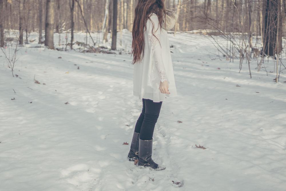 winter white style via Rebecca-Jacobs.com-8.jpg