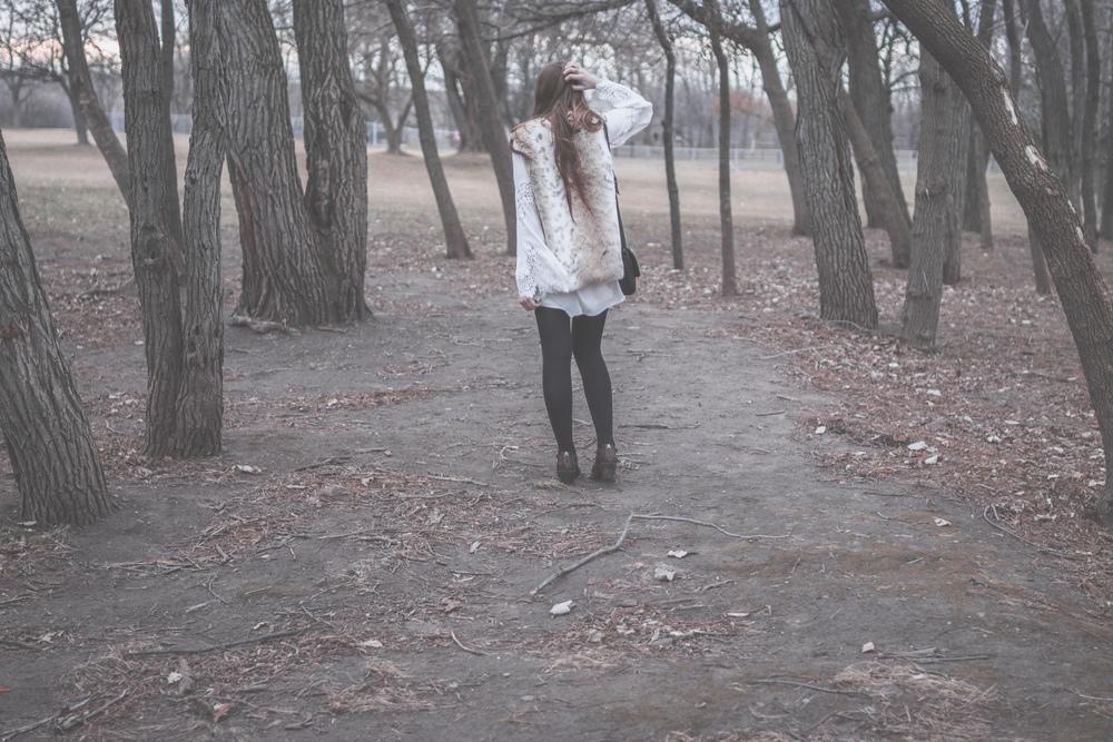 fur vest styling via Rebecca-Jacobs.com-3.jpg