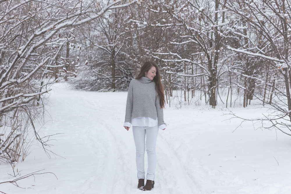winter white style via Rebecca-Jacobs.com-4.jpg