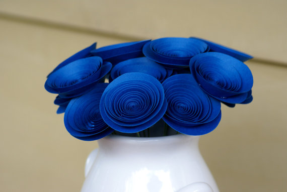 DIY it like these spiral paper roses...