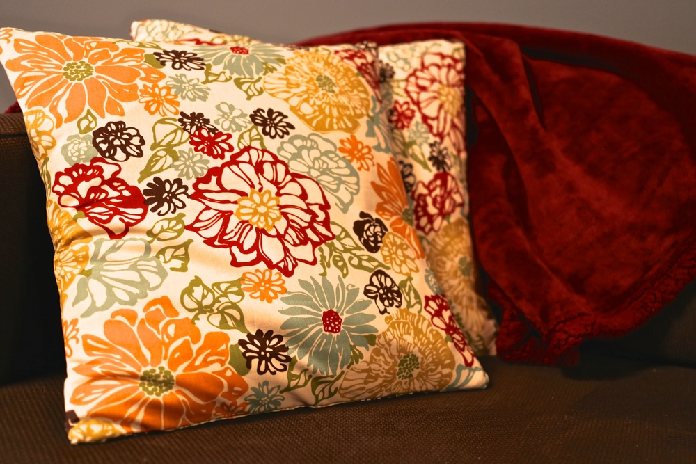 Throw Pillow Yardage : No-Sew Throw Pillow Slip Covers ? This Pretty Nest