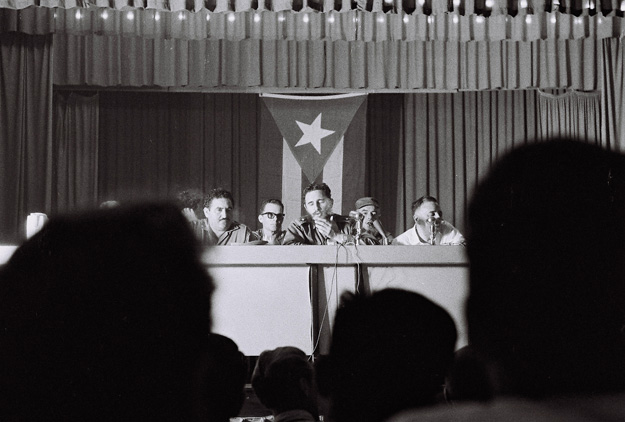 Castro speaks to foreign journalist July 1964